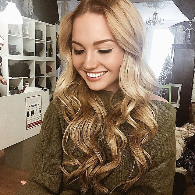hairstyle curly hair