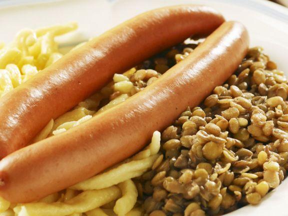 Spätzle mit Linsen und Wiener Würstchen ist ein Rezept mit frischen Zutaten aus der Kategorie Hülsenfrüchte. Probieren Sie dieses und weitere Rezepte von EAT SMARTER!