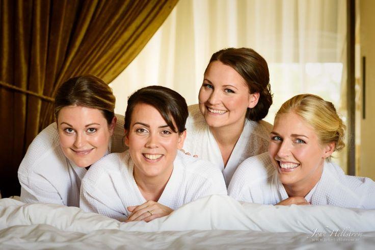 Wedding-Photographer-Stockholm-Bride-Bridesmairs-Ulfsunda-Castle-John-Hellstrom-2015-2