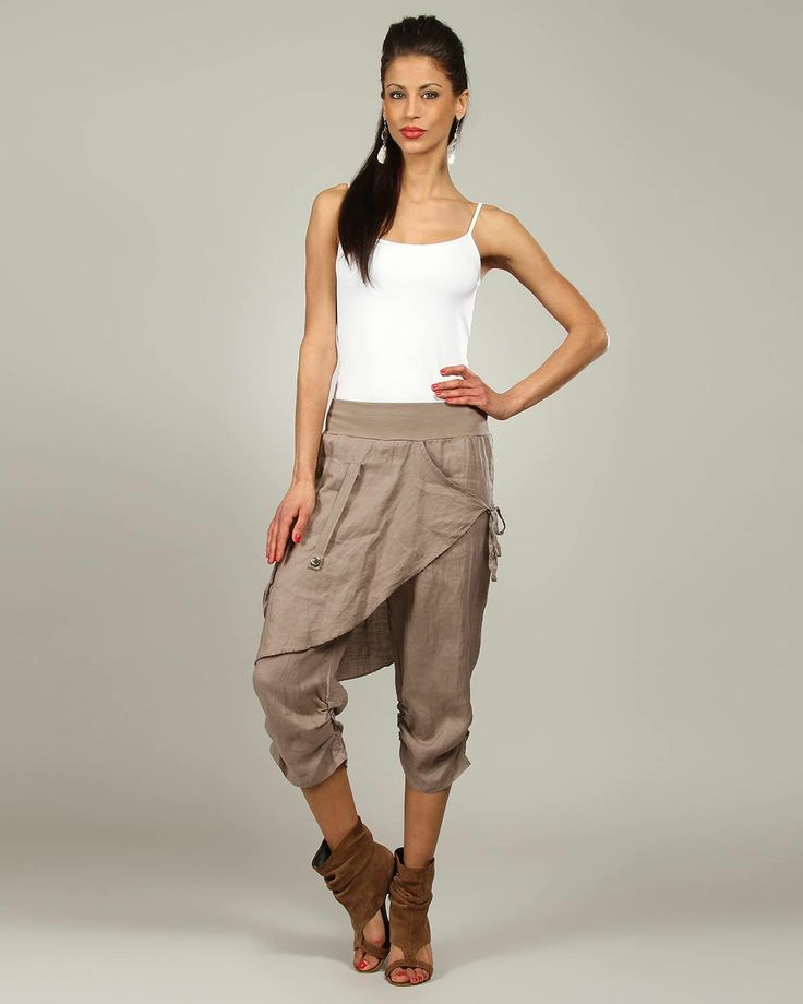 100% Lin Blanc Capris for $59 at Modnique.com. Start shopping now and save 66%. Flexible return policy, 24/7 client support, authenticity guaranteed