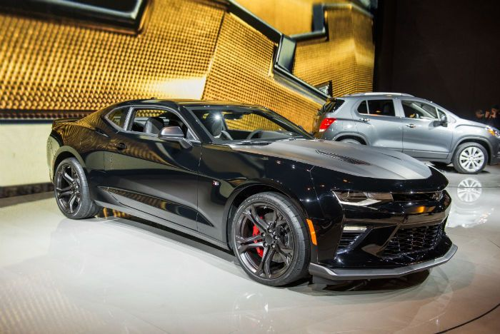 On 50th-anniversary edition package for 2017's model 2017 Chevrolet Camaro 2SS…