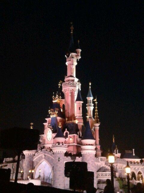 Disneyland Paris, where the best dream story begins.. :)