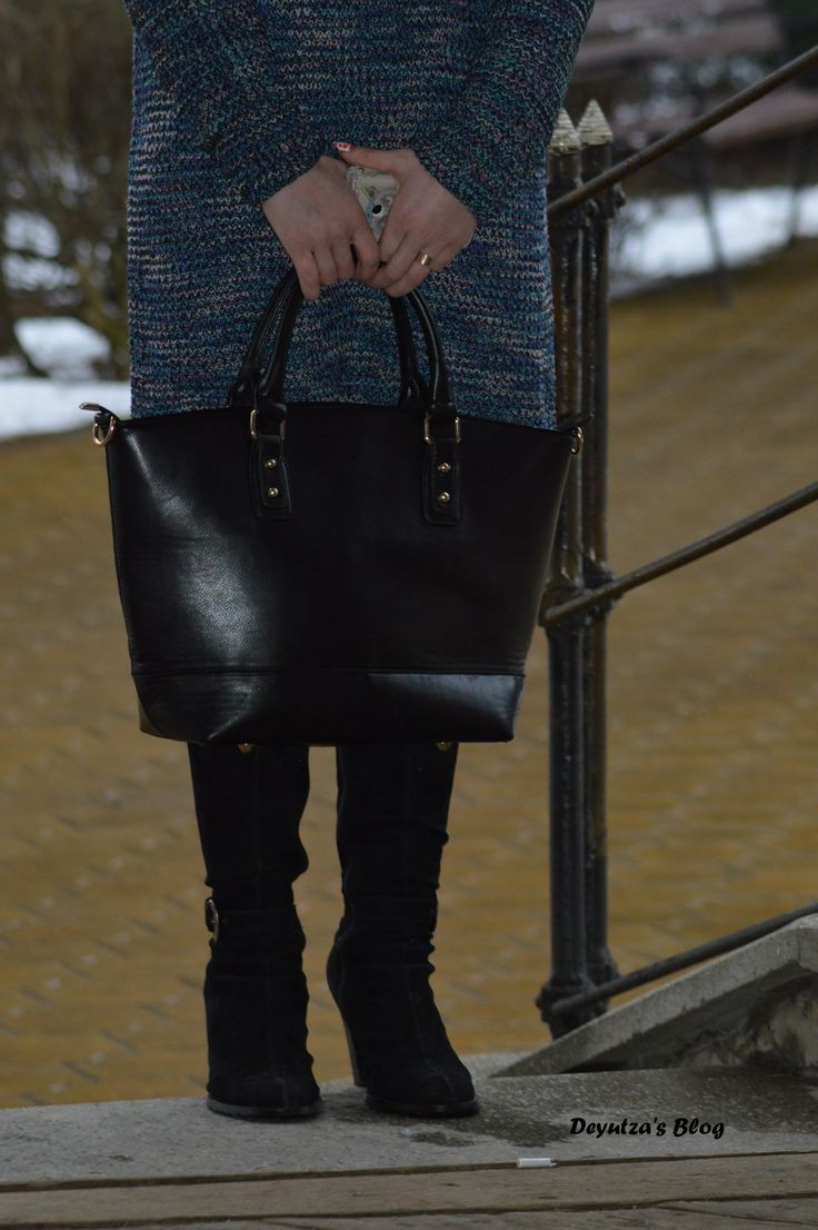 http://deyutza87.blogspot.ro/2016/02/ootd-cum-purtam-rochia-tricotata.html #adona #ootd #outfit #fashion #dress #bag #leatherbag #blackbag