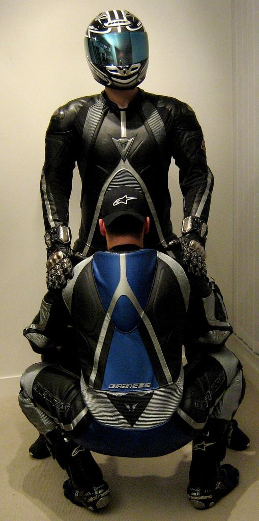 This Is A Blog Dedicate To Fetish Lovers Of Motorcycle Gear And Other Gear As Well Sexy Gay Bikers Pinterest Biker Bike Leathers Y Biker Gear