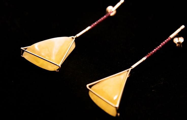 GEOAmber Earrings made of Authentic Amber, 14K Gold and Garnet