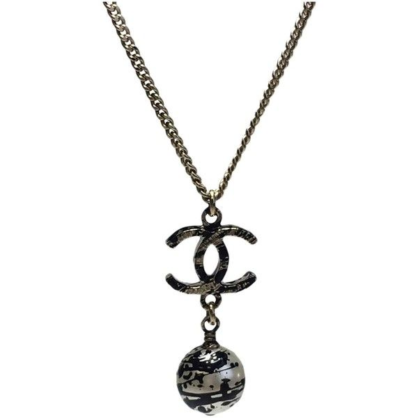 Pre-owned Chanel Necklace (38.230 RUB) ❤ liked on Polyvore featuring jewelry, necklaces, gold, women jewellery necklaces, chain pendants, chain pendant necklace, chanel pendant, long pendant necklaces and vintage pendant