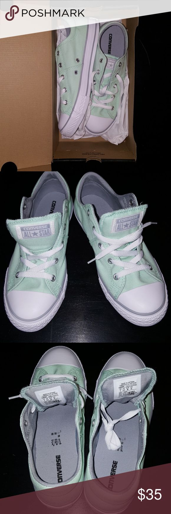 NWT Kids mint converse chuck Taylor low top 4 Kids mint green converse chuck Taylor low top size 4 Converse Shoes Sneakers