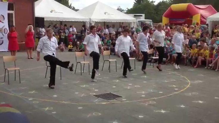 Schoolfeest Domino Meldert_Hallo Wereld_Medley leerkrachten