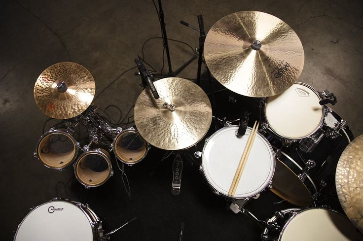 Whose kit is this!? #drums #Aquarian #Paiste #dwdrums