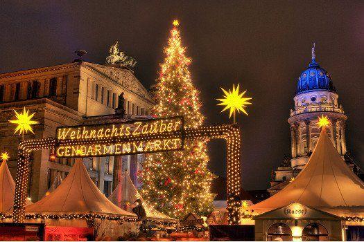 #Kerstmarkt op de #Gendarmenmarkt in #Berlijn #Duitsland #kerst #markt #reizen #stedentrip #shoppen #winkelen #travelbird #hotel