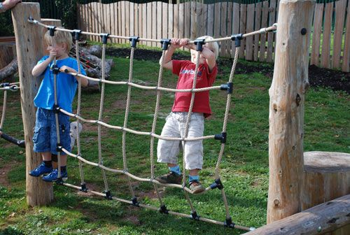 I can't wait to put one of these up so I can have a go too....... I think we could make this ourselves.... Will look into this? - Lots of other great outdoor play ideas on this site that we could adapt to our playgroup with resources we have .... just a bit of imagination required!!! I'm thinking!!!
