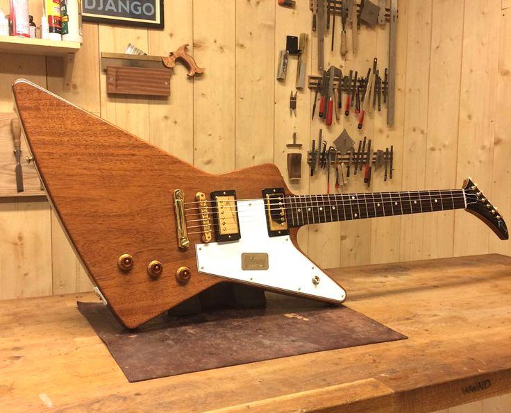 Gibson Custom Shop 1958 Explorer limited edition all mahogany