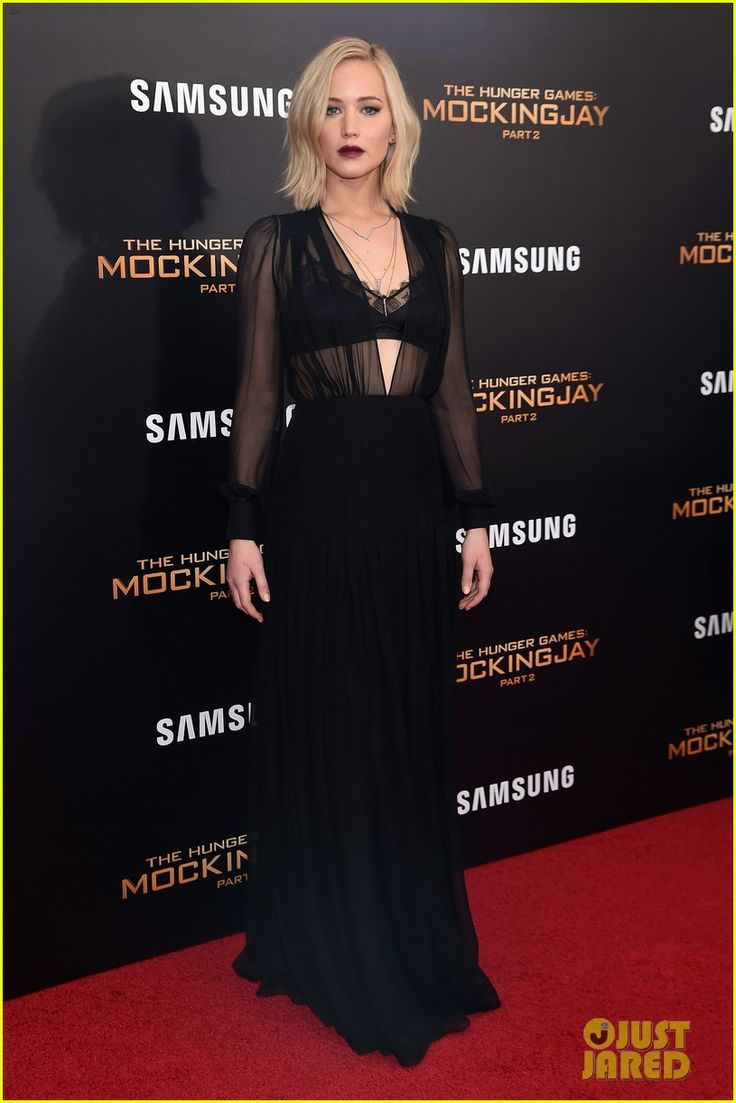 Jennifer Lawrence Wears Lace Bra Under Sheer Dress at 'Mockingjay Part 2' NYC Premiere | jennifer lawrence hunger games mockingjay nyc premiere 01 - Photo