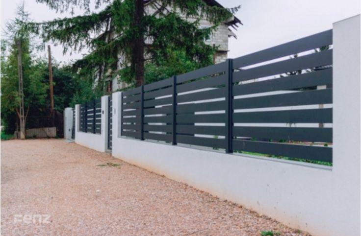 Klienci zaciekawieni naszymi aranżacjami systemu #bram i ogrodzeń z #murkami często pytają nas o możliwość realizacji takiego projektu. Jesteśmy producentem systemów #ogrodzeń #aluminiowych, warto jednak zorientować się w najbliższym Autoryzowanym Punkcie Sprzedaży o dodatkowe elementy ogrodzeń typu #podmurówka, #klinkier czy też #beton architektoniczny.