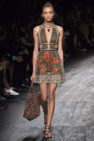 Valentino Spring 2016 Ready-to-Wear Collection - Vogue