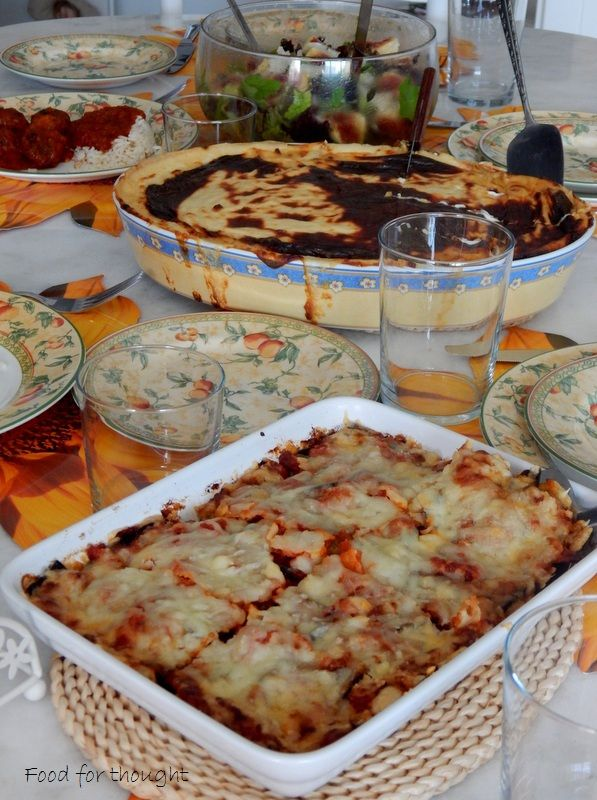 Μελιτζάνες με τυριά στο φούρνο. Σουφλέ με πράσο και μετσοβόνε. Πράσινη σαλάτα με σύκα. Κεφτεδάκια με κοκκινη σάλτσα και ρύζι. Όλες οι συνταγές στο αρχείο του μπογκ.  http://laxtaristessyntages.blogspot.gr/