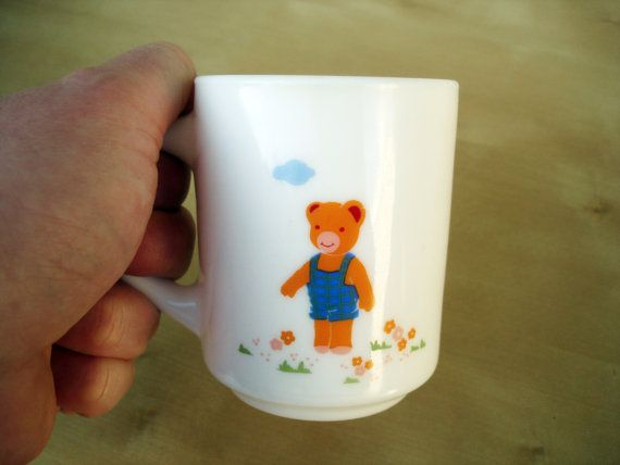 Hey, I found this really awesome Etsy listing at https://www.etsy.com/listing/158878548/fun-vintage-mug-for-kids-arcopal-coffee