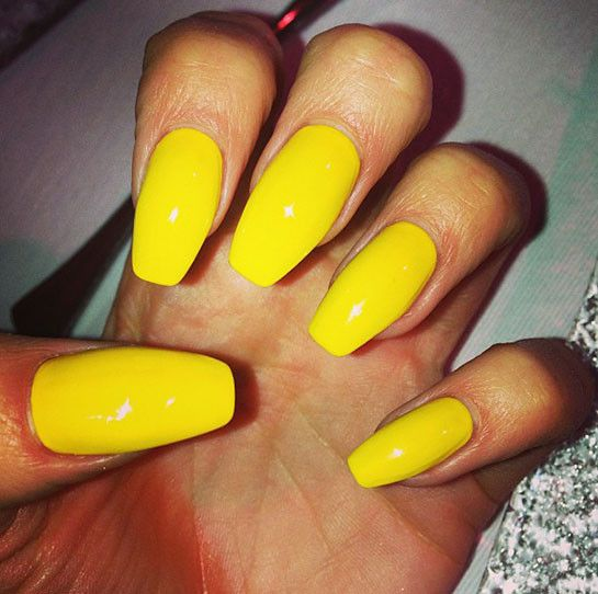 Jessie J's nails at the GLAMOUR Women Of The Year Awards