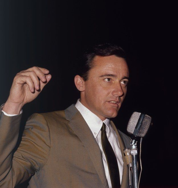 Robert Vaughn | The 36 Hottest Actors Of The '60s, Ranked