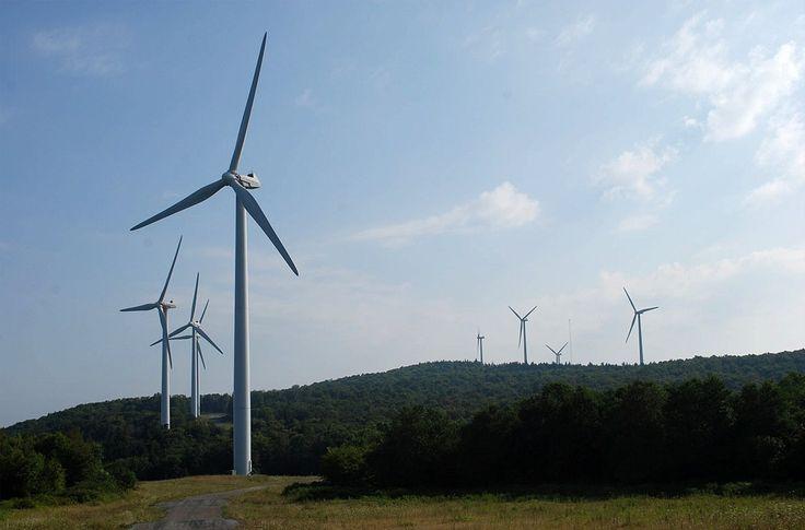 Британская компания Strat Aero обследовала 53 ветроэлектрические турбины в Канзасе, США, чтобы доказать жизнеспособность своего проекта. Идея в том, что проводить обследование состояния турбины с помощью беспилотника получается дешевле и в 4 раза  быстрее, нежели при использовании традиционного подхода. Уменьшается простой турбин, что также снижает суммарную стоимость контроля.