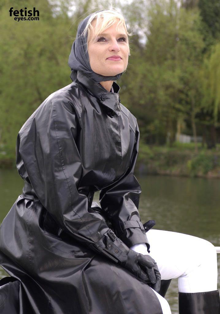 Photographs rubber mackintosh rainwear - 1aled.borzii