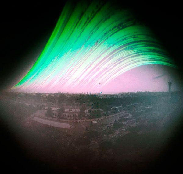 Solarigrafía en el Instituto Portugues de Meteorología, Lisboa. Fernando Rei. Tiempo de exposición: 21/06/2012 - 22/12/2012. Orientación SE 150º