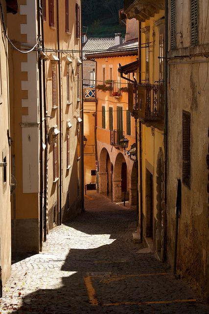 tagliacozzo - centro storico by peet-astn, via Flickr