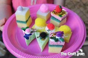 Easy Peasy Glitter Sponge Cakes for Pretend Play