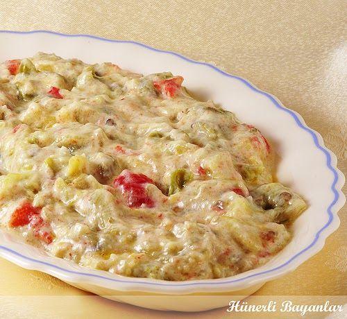 PATLICAN'IN YOĞURTLU HALİ :) Patlıcanın her türlü yemeğini çok sevdiğimi daha önceki yazılarımda da belirtmiştim. Eşimin patlıcanla arası...