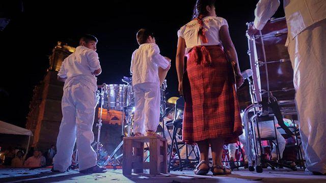 En Oaxaca hasta el más chiquitín toca algo... #Oaxaca #Musicos #Oaxaqueños #Turismo #ChapulinesOaxaqueños