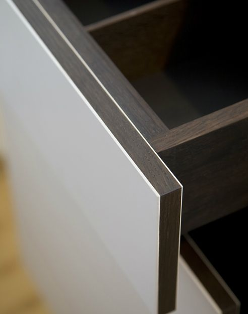 Beautiful detail of a custom made kitchen drawer by German company Holzrausch. This is the precision I really like.