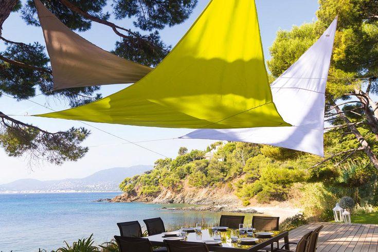 #HESPERIDE - Jeu de couleurs et de formes dans votre jardin pour vous protéger du soleil : associez nos voiles d'ombrage Anori comme il vous plaira ! 11.99 € http://www.hesperide.com/tonnelle-parasol/voile-d-ombrage/voile-triangulaire/voile-d-ombrage-anori/66848/d0.html