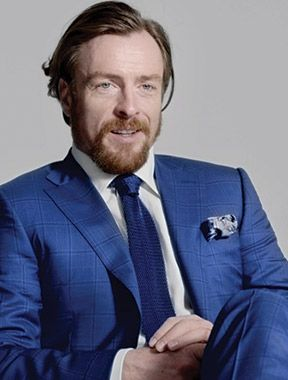 I think making any character that's incredibly well known to audiences sound fresh is difficult - Toby Stephens interview #ledizione #200steps #canali1934