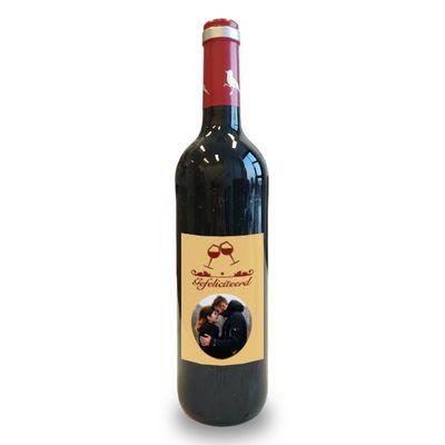 Wijnfles met eigen etiket (rood)