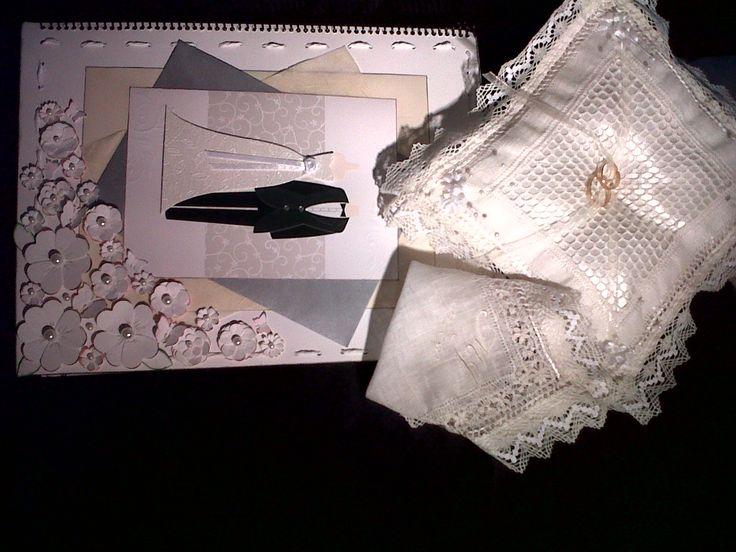 cojín, pañuelo y libro de firma para boda, todo echo a mano