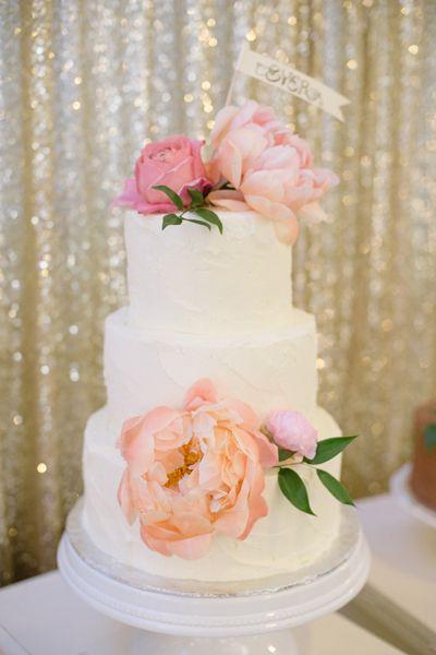 cake with fresh peonies | Matt and Julie #wedding