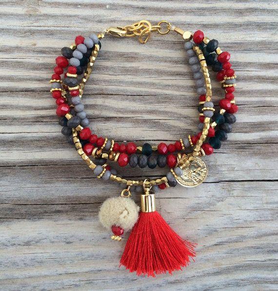 OOAK armcandy ensemble: 4 bracelets de perles dans de belles couleurs avec le gland, le charme de la pièce et pompon