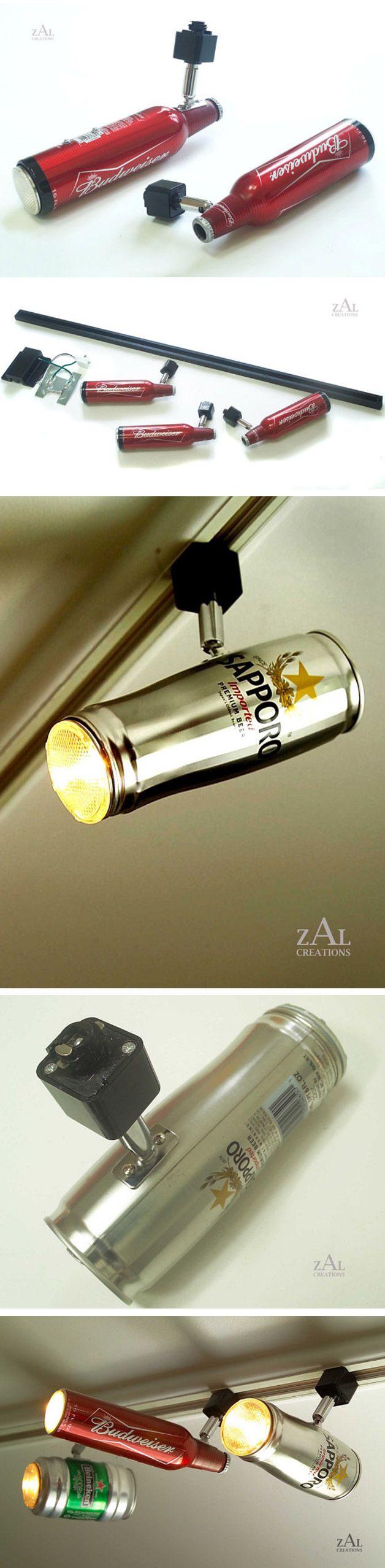Luminária feita de latas/garrafas de bebidas.