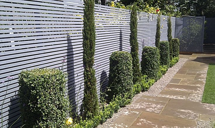 Best 25 horizontal fence ideas on pinterest backyard for Small privacy fence