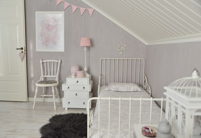 Girl´s room / Kalklitir Add Simplicity / Pink and white bedroom