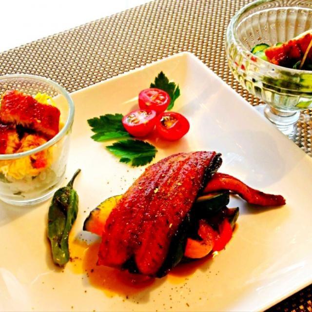 うなぎを使ってクッキング♪  うな丼の野菜不足を解消メニュー。  ☆うなぎと夏野菜のグリル重ね焼き     茄子、ズッキーニ、パプリカ、かぼちゃ、ししとう  ☆うなぎのお寿司のヴェリーヌ  ☆うざく うなぎ、きゅうり、生姜、すし酢、めかぶで簡単うざく - 258件のもぐもぐ - うなぎと夏野菜のグリル重ね ヴェリーヌ うざく by 0987hiropon