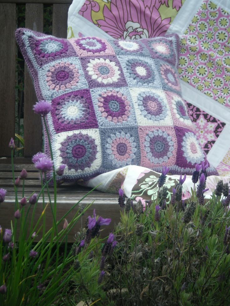 Betsy Makes ....: Crochet Cushion with love....