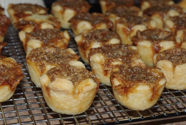 Mennonite Girls Can Cook: Butter Tarts