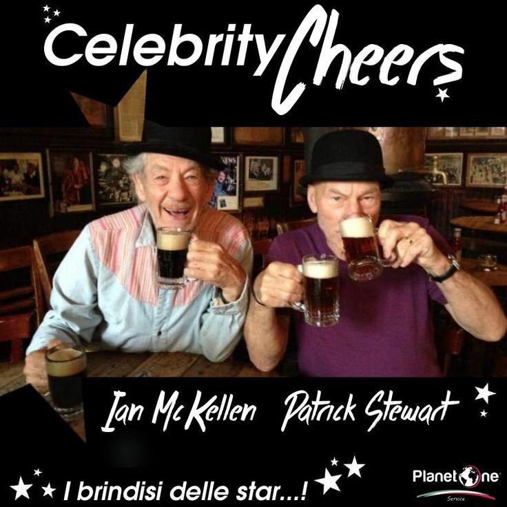 """Si dice """"Chi non beve in compagnia o è un ladro o è una spia""""… Qui abbiamo una splendida coppia di amici molto famosi e molto """"eroici"""" presi a brindare con boccali e boccali di birra… Cheers!"""
