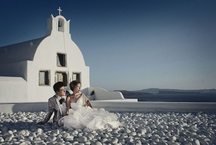 Pre wedding photography in Santorini