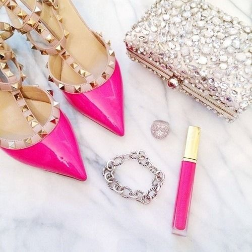 PINK Valentino Garavani Rockstud Pumps _need I say more? @PINKADDICTION by way of @PinkPartyBarbie by way of @WhatABeautifulSurrender
