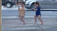 Un simpatico spot francese dove i protagonisti sono dei piccoli bambini ballerini