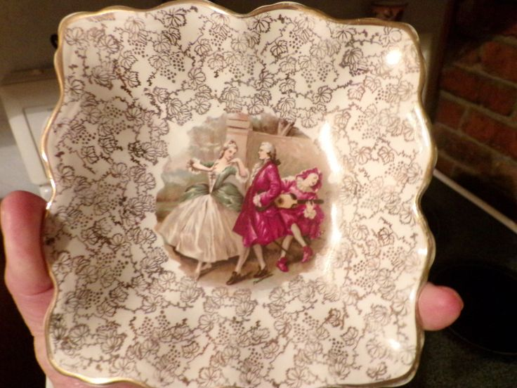 Midwinter England Staffordshire Scalloped Bowl, 1940s bowl, renaissance bowl, trinket dish, Victorian décor by Morethebuckles on Etsy