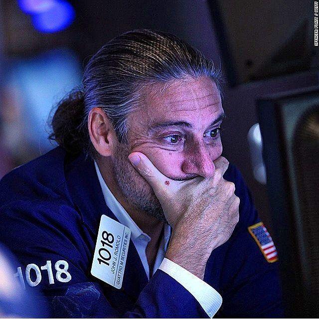 #PangeaInforma Fuente: CnnMoney Español Los Futuros accionarios de EEUU están en declive. Los mercados europeos están disminuyendo en alrededor del 1% en el comercio temprano. Y casi todos grandes pertenecientes a la bolsa asiática terminaron la jornada con pérdidas. Las materias primas no se proyectan con muchas mejoras: los futuros de petróleo crudo están abajo en un 2% a $3640 por barrel. Los Precios de metales preciosos también están en decline . English Take a deep breath -- nearly all…