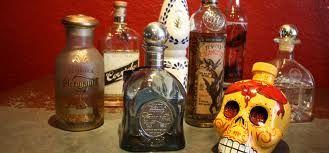 Dalí era un adulto cuando murió. Tradicionalmente, hay  tequila para los adultos.